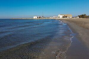 playa del varadero en santa pola