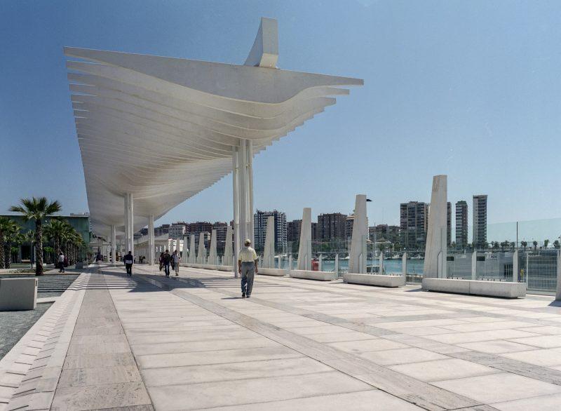 Muelle 1 y el Palmeral de las Sorpresas en Málaga