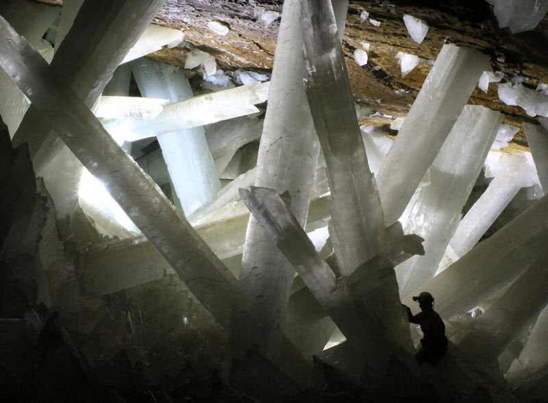 cueva de cristal, mexico