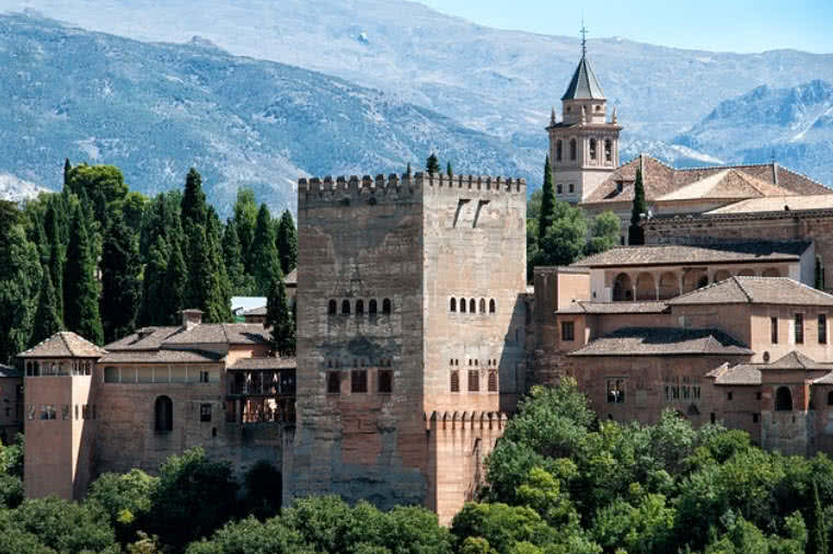 1603974641 178 Los 10 palacios reales mas increibles del mundo