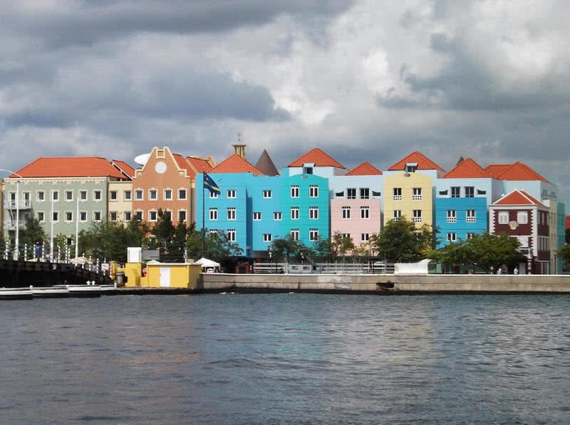 1604084464 888 Las 10 ciudades mas coloridas del mundo