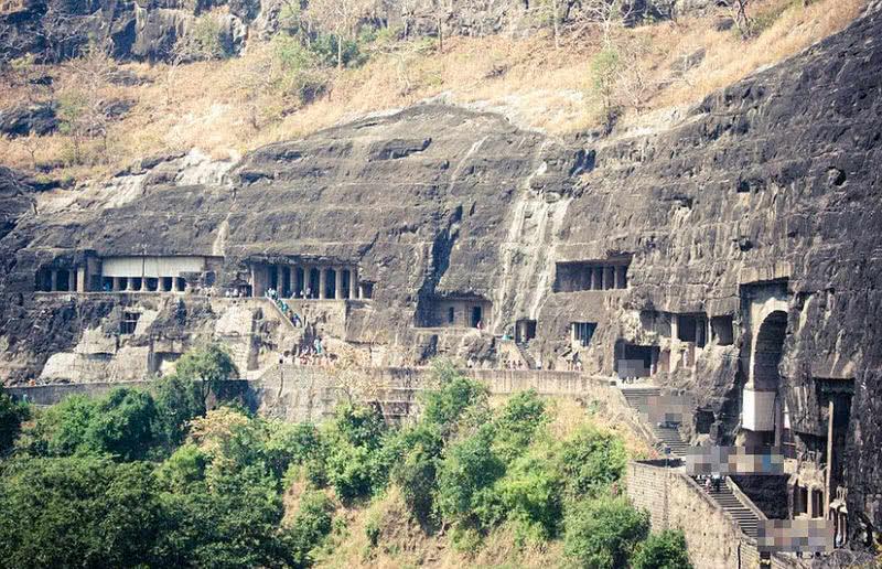 1604413349 853 Top 9 magnificas cuevas excavadas en la roca en la