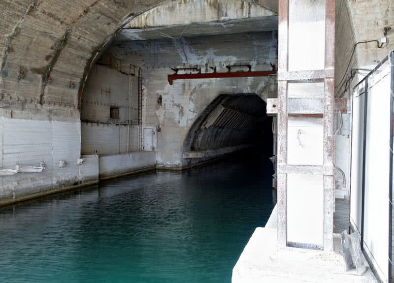 Balaklava base submarina abandonada