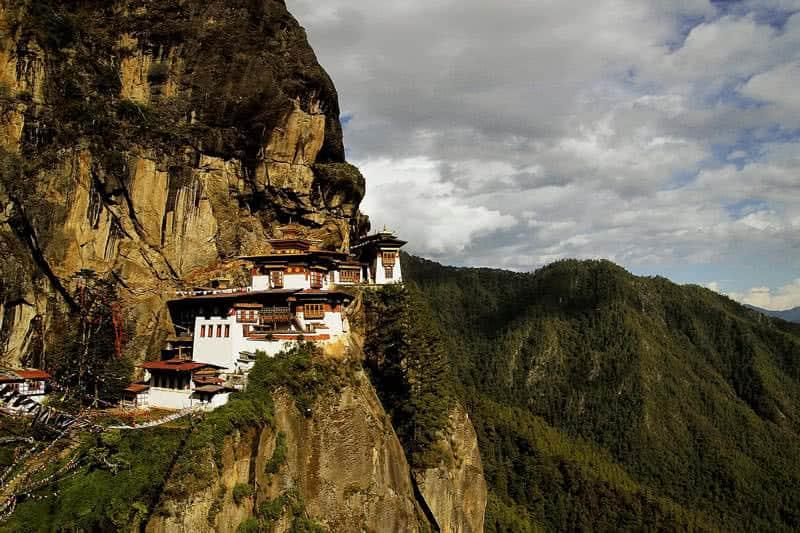 monasterio nido de tigres